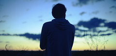 S.A.M (J.J.Evan) Tags: blue trees boy sunset sky field azul clouds hair atardecer twilight árboles cielo nubes campo chico melancholy melancolía cabello crepúsculo