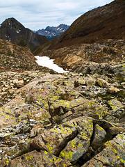 Hacia refugio de Baysellance (Manolo Moliner) Tags: walking pyrénées pirineos randonnée midipyrénées hautespyrénées pirineocentral chausenque hourquettedossue