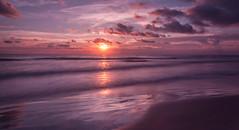 A purple Sunrise. (Un amanecer prpura). (Samuel Santiago) Tags: longexposure digital sunrise landscape florida newsmyrnabeach canonef1740mmf4l fluorescentfilter graduatedfilter nd21 canon5dmkii lightroomcc