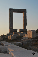 Portara (fmgraphix) Tags: island temple ancient greece apollo archeology cyclades naxos isola tempio cicladi archeologia portara sanset nasso palatia