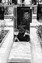 29.Cementerio de los mrtires. Baku, Azerbaijan (nagasairo) Tags: cementerio baku azerbaijan caucasus martir caucaso transcaucasia cementeriodelosmrtires cc2015