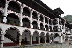 2015_Rila_4384 (emzepe) Tags: building yard court courtyard inner monastery rila augusztus bulgarie udvar 2015 bulgarien nyr bels plet  folyos    bulgria kolostor rilai