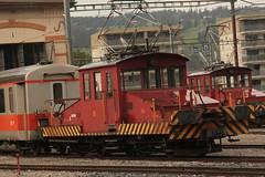 TPF Transports publics fribourgeois Schmalspur Rangiertraktor Te 4/4 13  ( Rangierlokomotive - Traktor - Alioth - Baujahr 1901 - Ehemals GFM ) am Bahnhof Bulle im Kanton Freiburg - Fribourg der Schweiz (chrchr_75) Tags: chriguhurnibluemail ch christoph hurni chrchr chrchr75 chrigu chriguhurni oktober 2015 albumzzz201510oktober hurni151005 albumbahnenderschweiz2015712 eisenbahn bahn schweizer bahnen tpf transports publics fribourgeois freiburgische verkehrsbetriebe albumtpftransportspublicsfribourgeois gfm albumbahnenderschweiz zug train juna zoug trainen tog tren  lokomotive  locomotora lok lokomotiv locomotief locomotiva locomotive railway rautatie chemin de fer ferrovia  spoorweg  centralstation ferroviaria