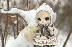 treeclimber (e f i c h u ) Tags: new winter finland gold eyes doll dal wig blonde pullip hybrid coolcat nelia obitsu eyechips leekeworld 21cm rewigged dotori rechipped evecream efichu