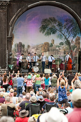 2015_CarolynWhite_Friday (92) (Larmer Tree) Tags: crowd friday clap 2015 handsintheair gardenstage mainlawn carolynwhite ccsmugglers