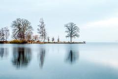 Between day and night (Rainer D) Tags: 2016 schwerin mecklenburgvorpommern deutschland blue white highkey see sea schwerinersee landscape landschaft view panorama december canon6d