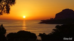 Lever de Soleil sur Cefalu (flodub) Tags: cefalu sicile leversoleil mer sunrevise soleil lever sea paysage landscape calme calm