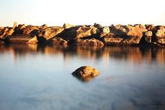 Calma constante (alexsv92) Tags: mar oceano mediterraneo rocas rocks nude nubes paisaje landscape desnuda desnudo naked naturaleza larga exposicion canon