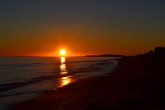 Puesta de sol (antonsurfisla) Tags: winter beaches sunset