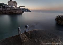 Access to the sea (Damien06300) Tags: canon 6d 1635mm france nice villedenice nice06 soleil hiver rochers cailloux lumière light amazing ponton sea mer plage beach plongeoir