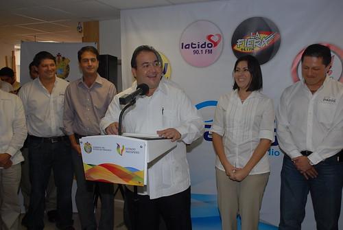 El gobernador Javier Duarte de Ochoa asiste a Inauguración de 4 nuevas radiodifusoras de Grupo Pazos