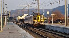 AM 990 - L125 - ANDENNE (philreg2011) Tags: am990 cityrail amclassique l125 andenne l20144950 l20144986 sncb nmbs trein train