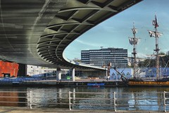 Puente Euskalduna de Bilbao (P.H.F.) Tags: fragata rusa shtandart puente euskalduna de bilbao museo marírimo marino marítimo buque insignía insignia