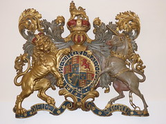 Royal arms (Granpic) Tags: northampton heraldry northamptonshire abington royalarms northamptonshirechurch abingtonchurch stpeterstpaulabington