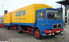 Classic MAN truck (Schwanzus_Longus) Tags: street blue man beauty car truck germany industrial outdoor cab transport over engine semi container german rig transportation vehicle oldtimer trailer bremen freight coe fahrzeug flatbed bussing büssing oltimer