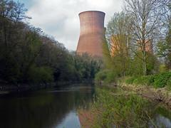 Ironbridge power station. (Lee1885) Tags: heritage water river shropshire ironbridge telford severn powerstation coolingtowers