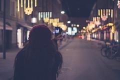 Look Forward (Stefan (ON/OFF)) Tags: nightshot bokeh dof bokehlicious depthoffield shallowdepthoffield street person people photographer sonya7 sonya7m2 sonyalpha7 sonya7ii sonya7markii sel35f14z 35mm f14 nightlights nightphotography city citybokeh streetbokeh portrait behind