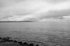 Cape Futtsu, Chiba, Japan 01 (HAMACHI!) Tags: futtsumisaki capefuttsu chiba 2017 japan winter bay sea sky landscape monochrome bw fujifilm fujifilmx fujifilmx70
