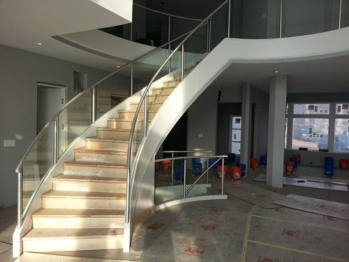 Contemporary Style Curved Stair AndronX