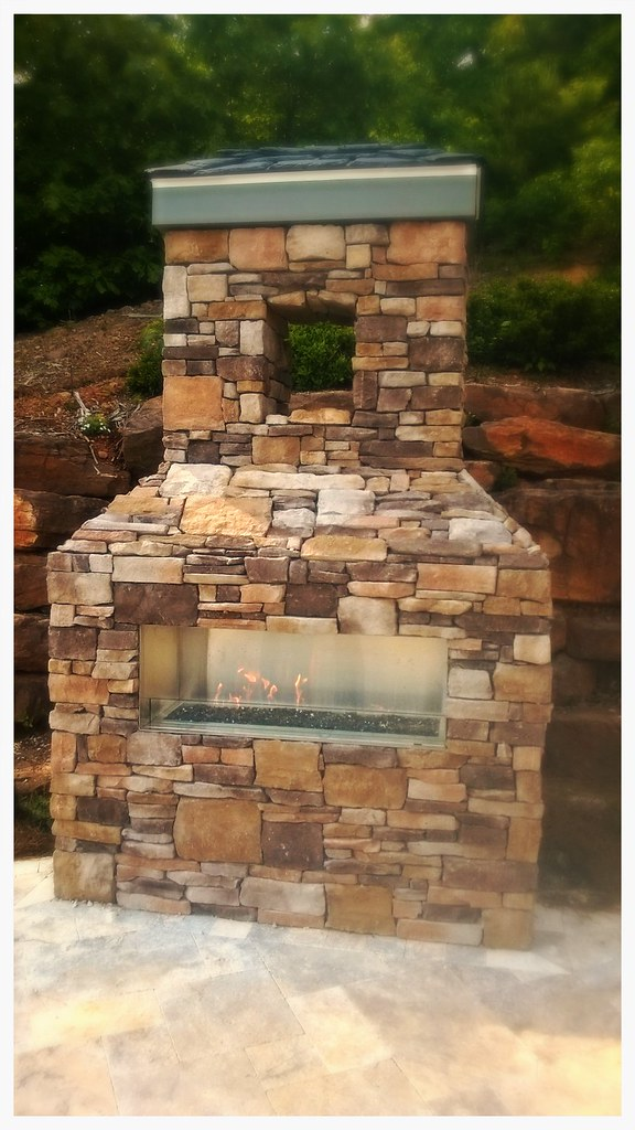 Napoleon GSS48 Linear Outdoor Fireplace. Chattanooga, Tn.