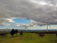 Gigantes (carlinhos75) Tags: sky field clouds nikon galicia cielo nubes campo aestrada molinosdeviento aerogenerador p5000