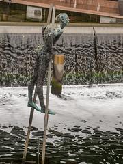 _9120124 Stilts at Aker Brygge.jpg (JorunT) Tags: oslo skulptur akerbrygge 2015 nasjonal fotovandring påstylter