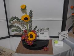 """Sunflower, Mum & Yuukori leaves by Emiko Unno """"Koryu School"""" (nano.maus) Tags: lauritzengardens japaneseflowerarrangement omahabotanicalsociety japaneseambiencefestival"""