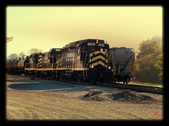 Indiana Northeastern passing through Edon Ohio (Matt Ditton) Tags: ohio tracks indiana northeastern shortline edon