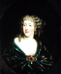 Marie Thérèse in circa 1680 (gorbutovich) Tags: school portrait paris france motif marie female century de french austria louis la spain married maria brooch curls musee queen canvas half oil therese and personalities teresa cloak clasp fleurdelys royalty oval ville revolutions 17th rulers infante xiv mariatheresa ringlets carnavalet hapsburg habsburg lenght marietherese habsbourg royaltyrulers dautriche 163883 hapsbourg xir178319 99infanta
