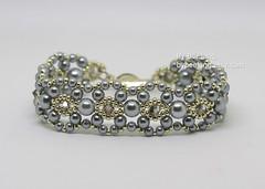 Pearla Bracelet (BeeJang - Piratchada) Tags: beadweaving beading beadwork beaded tutorial pearl swarovski crystals grey gray white spring winter bracelet jewelry handmade miyuki