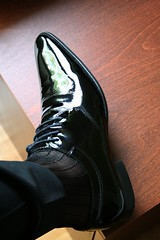 shiny-dress-shoe_2514983602_o (shinydressshoes) Tags: dress shoes dressshoes shiny shinyshoes patent leather formal oxfords pointed balmorals sheer sheers socks sox lackschuh anzug suit tux tuxedo shoeporn lackschuhe laceup