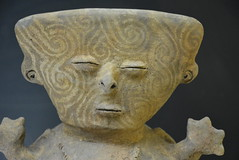 funerary jar figure (cam17) Tags: colombia gold cartagena goldmuseum funeraryjar jarhead funeraryjarfigure jartop stylizedhead