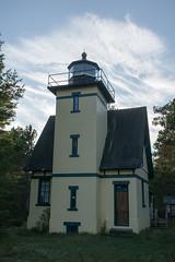 Mendota Lighthouse, October 2016-5 (Invinci_bull) Tags: michigan michigansupperpeninsula michiganskeweenawpeninsula keweenaw keweenawpeninsula upperpeninsula up betegrise mendotalighthouse mendota lighthouse fall