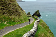The way down to the sea (Karl Le Gros) Tags: ireland dinglepeninsula 2012 countykerry sea green xaviervonerlach fujifilmfinepixx100 seascape landscape
