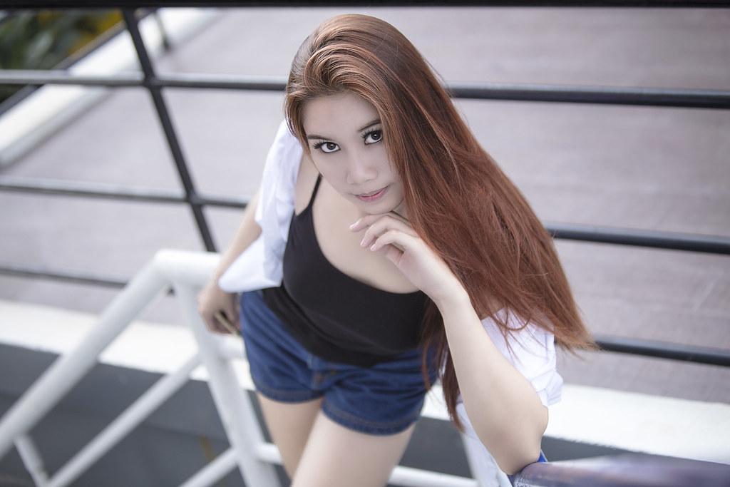 young thai girls liderlige line