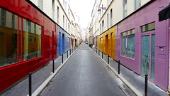 Rue Sainte Marthe, Paris (blafond) Tags: paris couleurs perspective colourfulbuildings colorfulbuildings ruesaintemarthe