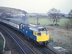 27012 Inverkeithing 07 April 1983 (Woolwinder) Tags: scotland fife sulzer inverkeithing 27012 brcw ukclass27