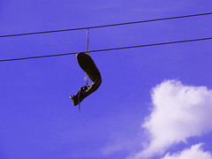 It must be fate, I found a place for us (Lívia.Monteiro) Tags: sky blue shoes lines céu azul tênis linhas