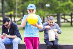 Simon's Yelow Ballon (Alvimann) Tags: alvimann canon canoneos550d canon550d canoneos kid kids nio nios boy boys male simon globo ballon yellow amarillo