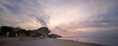 (022/17) Tiempo de tranquilidad (Pablo Arias) Tags: pabloarias photoshop nxd cielo nubes españa arquitectura playa arena agua mar mediterráneo amanecer lamalladeta tranquilidad villjoyosa elparaíso alicante comunidadvalenciana