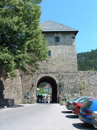 Jajce, Travnik-kapu