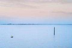 Projet 365-2017-10 - Tout en douceur... (Fabrice Denis Photography) Tags: nouvelleaquitaine france seascapes lesboucholeurs ocean charentemaritime seascapephotography minimaliste coastal coastalphotography projet3652017 minimalismes seascapephotographer oceanphotography seascapephotos sea châtelaillonplage fr