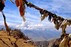 Nepal-Mustang- Yamda La pass (venturidonatella) Tags: nepal asia mustang yamdalapass yamdala himalaya panorama landscape prayerflags colori colors emozioni emotion nikon nkiond300 d300