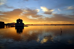These quiet times... (modestino68) Tags: tramonto sunset lago lake riflessi reflects cielo sky nuvole clouds oro gold acqua water shadybard