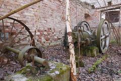 ps02 (vnately) Tags: parný stroj zvyšky časti steam engine remains dampfmaschine reste tehlová budova brick house ziegel industrial priemysel steampunk vnately