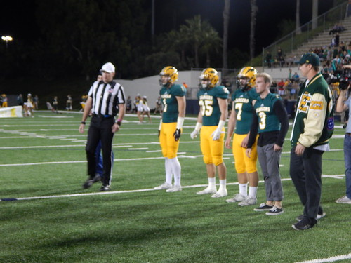 """Edison vs. Fountain Valley 10/31/15 • <a style=""""font-size:0.8em;"""" href=""""http://www.flickr.com/photos/134567481@N04/22010257884/"""" target=""""_blank"""">View on Flickr</a>"""