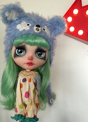 Finished my latest custom: Pip, my sad clown. She wanted to join the circus but I told her she couldn't 😘 #ladidadidolls #blythecustom #blythe #customblythe