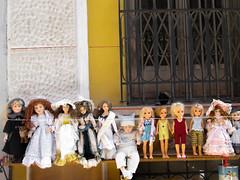 (Arrtez la Musique) Tags: madrid espaa vintage spain dolls market flea fleamarket mercadillo rastro muecas bambole bamboline