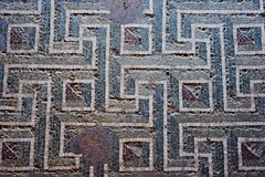 (orientalizing) Tags: italy house floor mosaic sicily meander hellenistic archaeologicalsite morgantina archaia lateclassicalhellenistic serraorlando houseofganymede