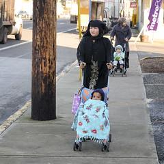 6337 Stroller Boulevard (eyepiphany) Tags: stroller strollers strollerboulevard streetphotography decisivemoment portlandoregon echo